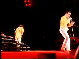 Queen - Radio Ga Ga (Live Budapest 1986)